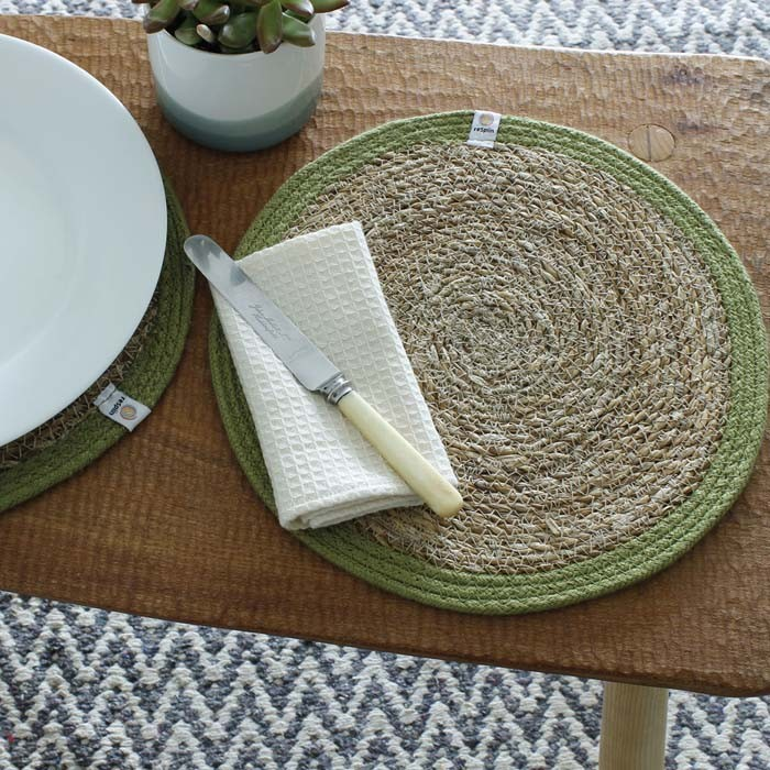 Round Seagrass & Jute Tablemat and Coaster - Natural/Green - in Use