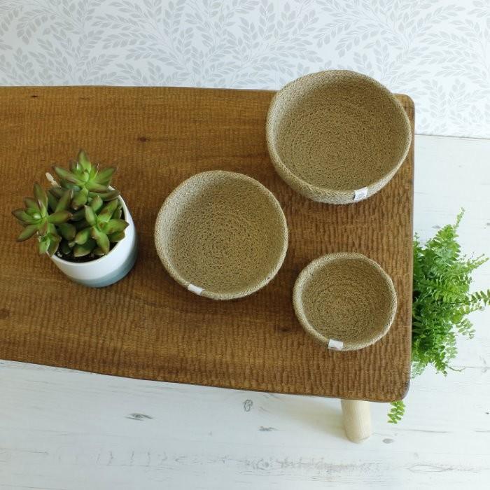 Jute Mini Bowl Set - Natural - in Use