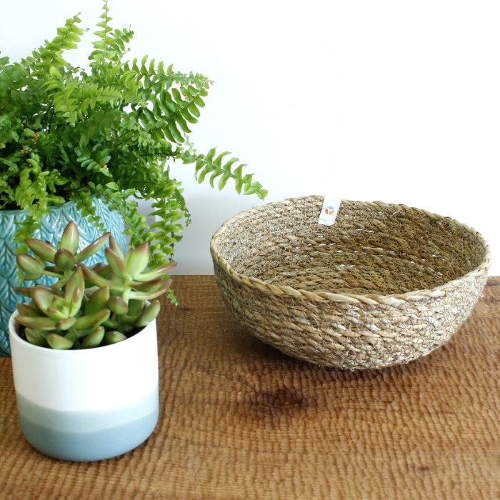 Seagrass Bowl - Medium - Natural - in Use